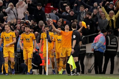 'Incredible Wembley Wanderers fans' hailed as former Wolves favourite urges caution