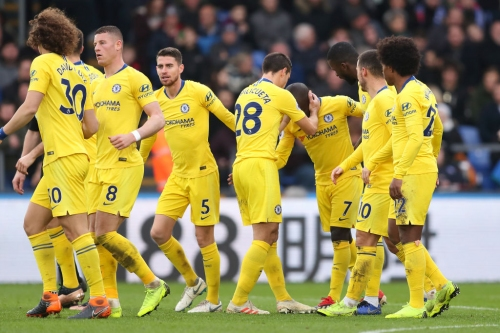 Willian claims Chelsea can still catch Liverpool in Premier League title race