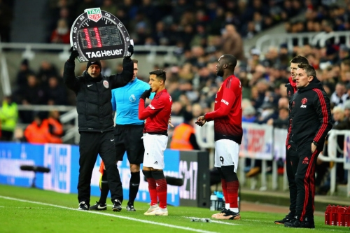 Ole Gunnar Solskjaer provides Paul Pogba update and confirms two Manchester United starters for Reading clash