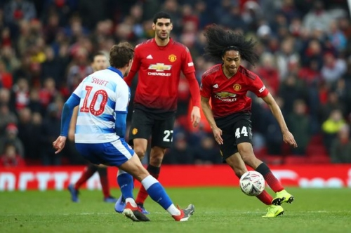Tahith Chong sent message by Manchester United team-mates after debut