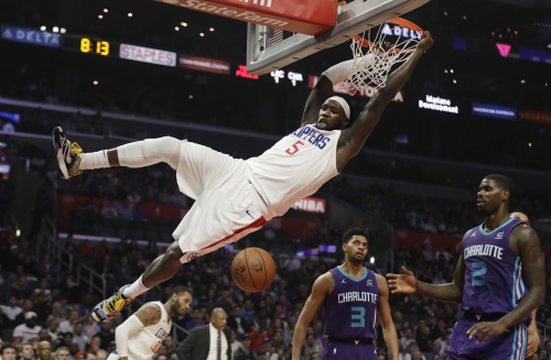 Clippers pull away from Hornets with balanced effort, block party