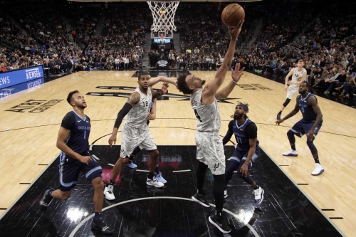 The Spurs brought in the new year with a bang