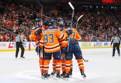 McDavid scores twice as Oilers hand Panthers 4th straight loss