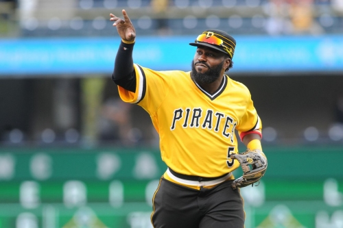 "Milwaukee Brewers considering ""stepping up"" pursuit of Josh Harrison, per report"