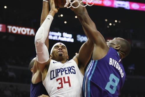 Hornets head to Portland to take on the Blazers