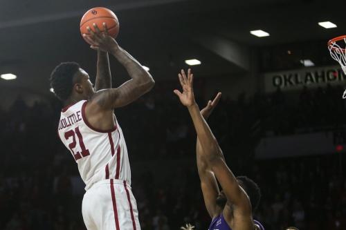 OU men's basketball: Kristian Doolittle's second half heroics, game-winning shot propels Oklahoma to 76-74 win over TCU