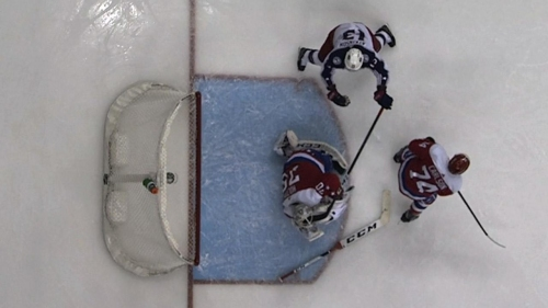 Capitals' Braden Holtby leaves game after high-stick to eye