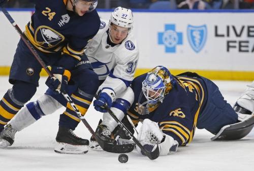 Lightning come back to beat Buffalo