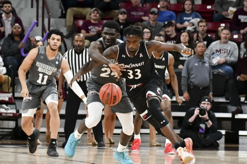 Bearcats Outlast UConn in Thrilling 74-72 OT Win