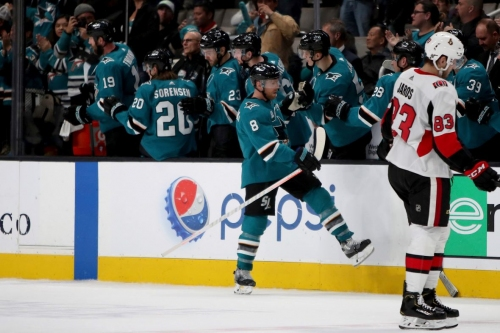 Sharks continue torrid stretch with win over Senators