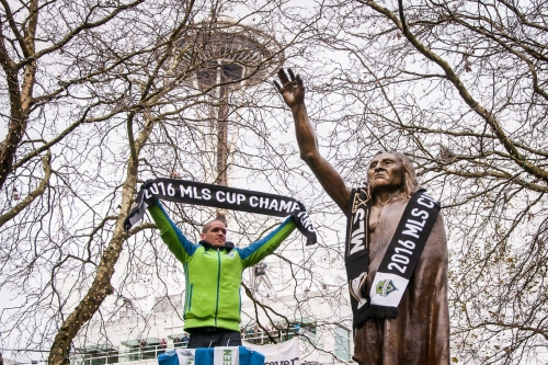 Osvaldo Alonso bids farewell in message to Sounders fans