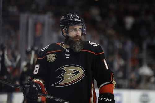 Ducks right wing Patrick Eaves making strides in return from broken rib