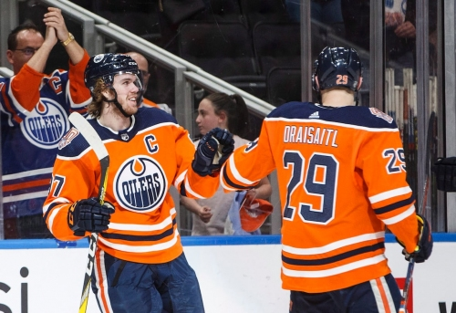 Oilers steamroll Sabres with offensive outburst