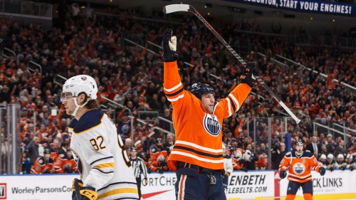 Lucic, Kassian each score 2 to power Oilers in win over Sabres