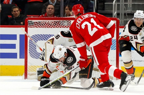 Detroit Red Wings wake up in time to knock off Anaheim Ducks, 3-1