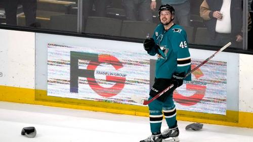 Hertl's hat trick leads Sharks past Penguins
