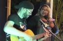 Street singer gives voice to Venezuela's growing diaspora