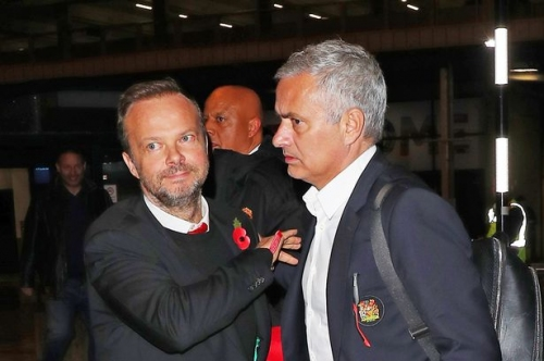 Jose Mourinho appears to take thinly-veiled swipe at Manchester United set-up