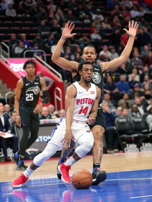 Detroit Pistons 'feel whole' with Ish Smith, Zaza Pachulia healthy again
