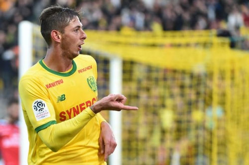 Cardiff City transfer digest: Emiliano Sala deal 'agreed', Everton's Oumar Niasse loan glitch, Dalman searches for right-back