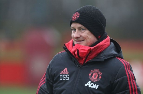 Ole Gunnar Solskjaer reminds Manchester United players of responsibility of playing for the badge