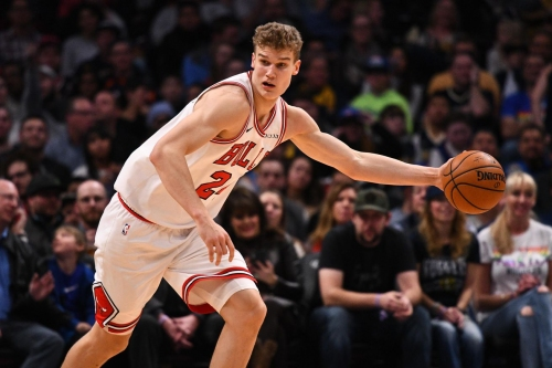 Lauri Markkanen had a scorching first half, the only good news for the Bulls in Denver