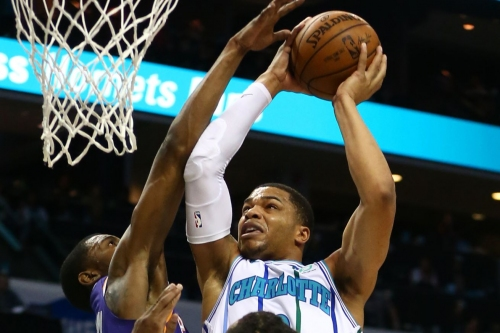 Hornets lead wire to wire, beat Suns 135-115