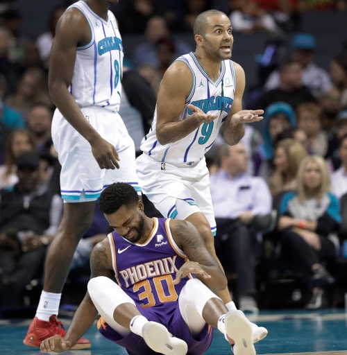 Hornets bomb Suns with 3-pointers in wire-to-wire victory
