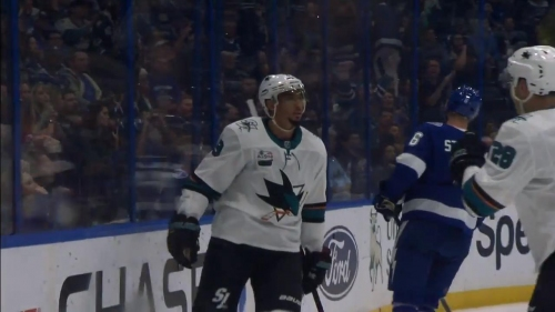 Evander Kane finishes perfect PP passing to score on Lightning