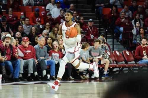 OU men's basketball: Texas beats No. 20 Oklahoma, 75-72
