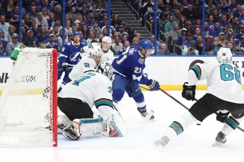 Sharks 3, Lightning 6: Bolts get revenge, double up on Sharks