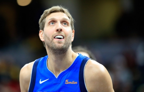 Another special road moment for Mavericks icon Dirk Nowitzki, this time in basketball's heartland