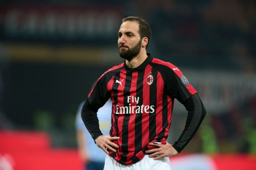 Chelsea boss Maurizio Sarri discusses Gonzalo Higuain transfer after woeful Arsenal defeat