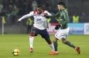 Dembélé guía a Lyon ante Saint-Etienne y a 3er lugar de liga