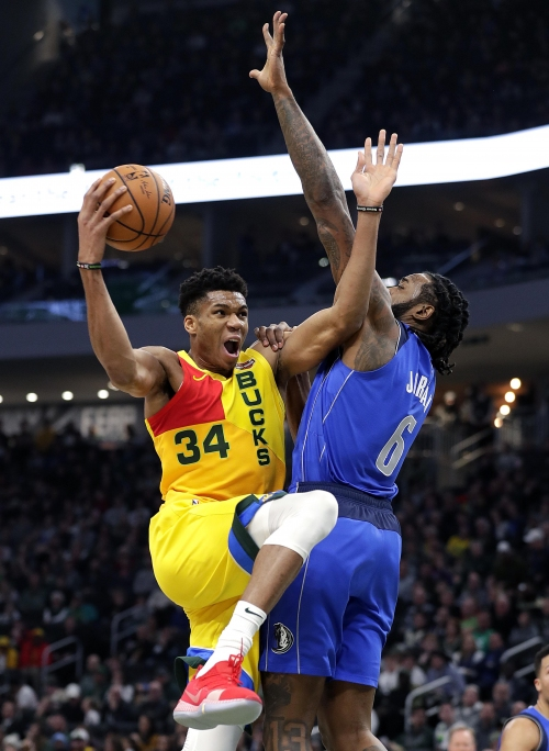 Bucks 116: Mavericks 106: Giannis has 31 points and plenty of help