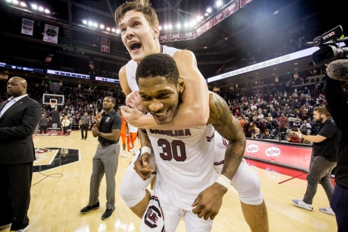 South Carolina pulls off another stunner, edges No. 16 Auburn 80-77