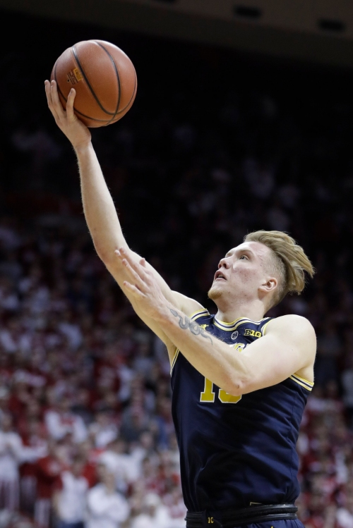 Michigan basketball uses stellar start to blow out Indiana, 69-46