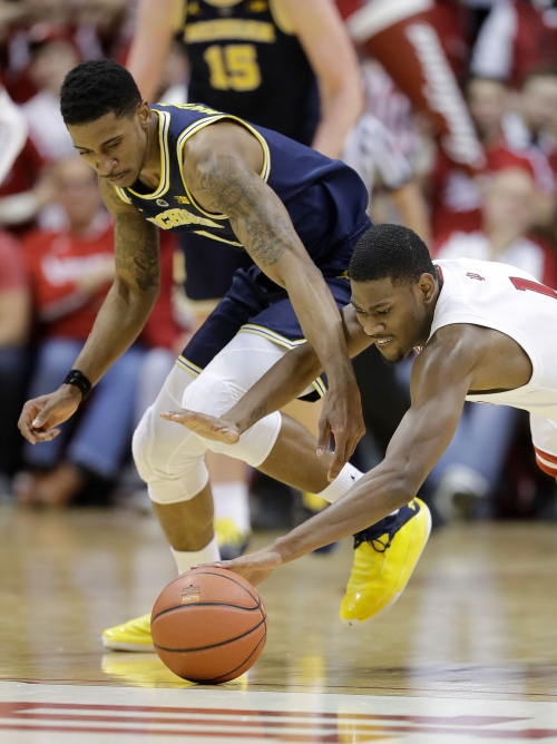 No. 5 Michigan basketball gets back on right foot with win at Indiana