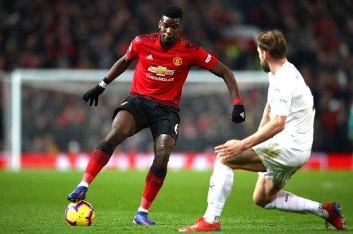 Paul Pogba hands Manchester United an injury worry