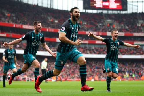 Cardiff City launch deadline day bid for Southampton striker Charlie Austin with Wolves also keen - reports