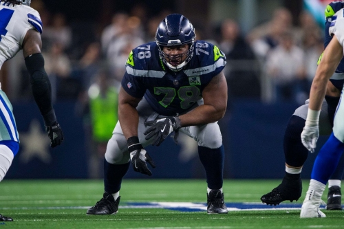 Century Links 1/31: Which Free Agent OL Will Seahawks Re-Sign?