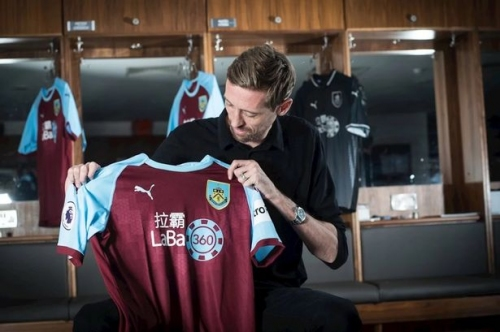 Peter Crouch hoping to emulate Mark Hughes at Burnley