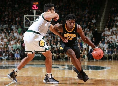 Michigan basketball at Iowa: Three things to watch, prediction