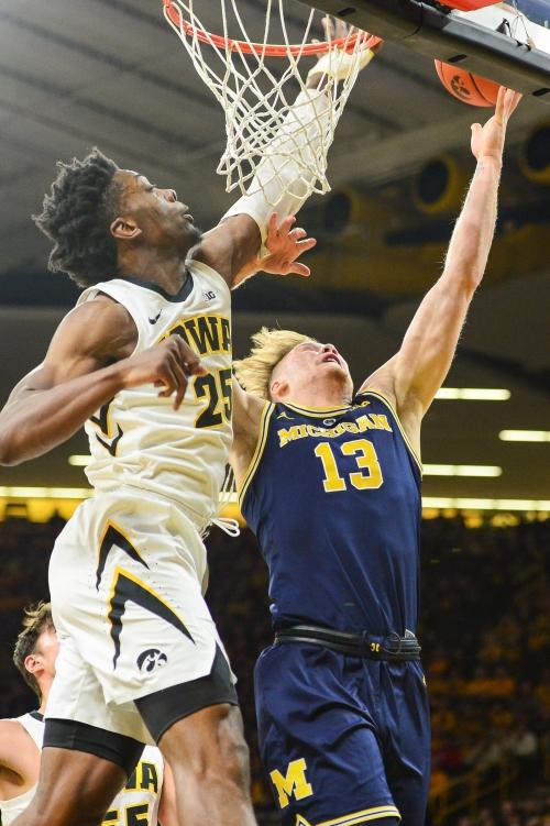 Michigan basketball blown out by Iowa, 74-59: Three takeaways