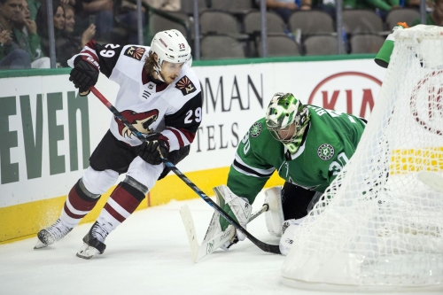 Ahead of Long Road Trip, Stars Face The Coyotes Tonight