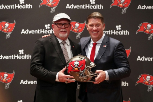 Mocking the Mock Drafts: What did analyst say at this time a year ago?