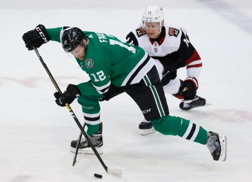 Coyotes rally in wild third period, but Stars come out on top