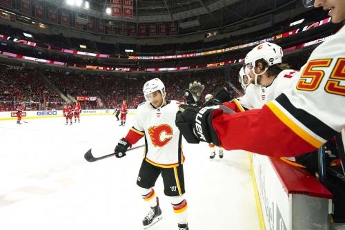 Week 18 Leftovers: The Flames Got A Split In A Short Week