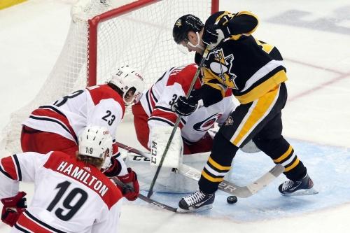 Recap: McElhinney, Canes shut out Penguins 4-0