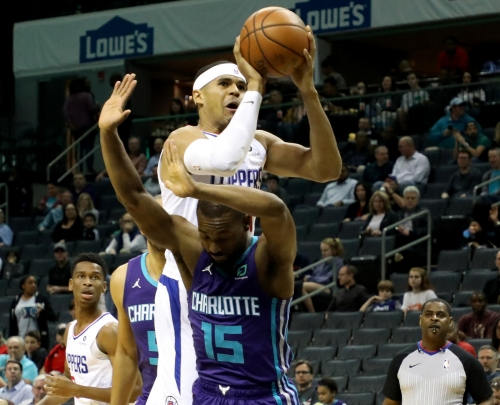 Tobias Harris' late basket caps Clippers' comeback win against Hornets
